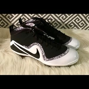 Nike Force Zoom Trout 4 Mid metal baseball cleats